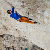 Ethan Pringle climbs Jumbo Love 5.15b